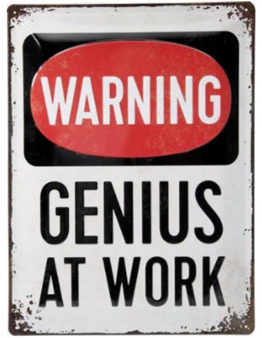 """Atraktiven znak z napisom """"GENIUS AT WORK"""" (genij na delu)."""